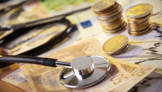 Le tableau présentant les principaux tarifs des médecins est désormais consultable en ligne. © Istock