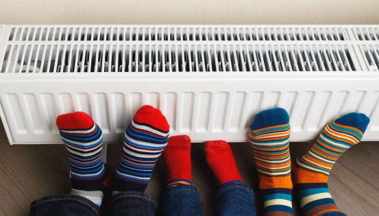 Pour bénéficier du tarif social énergie en tant que bénéficiaire de l'intervention majorée, il faut que le contrat de gaz et/ou d'électricité soit à son nom.(c)iStock