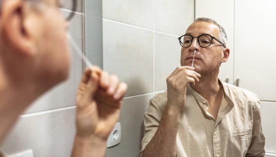 La fiabilité d'un auto-test antigénique est de 80%. Le risque de faux résultat négatif est élevé. (c)iStock