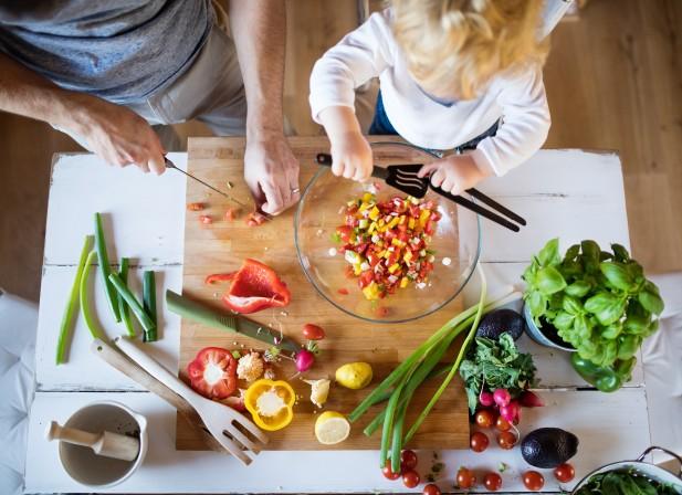 Découvrir les fruits et légumes en famille