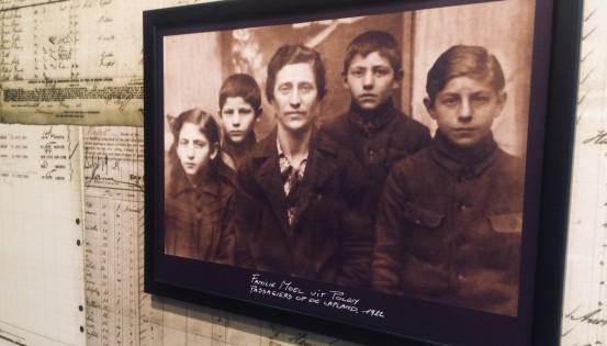 Photo de famille de migrants au 19e siècle